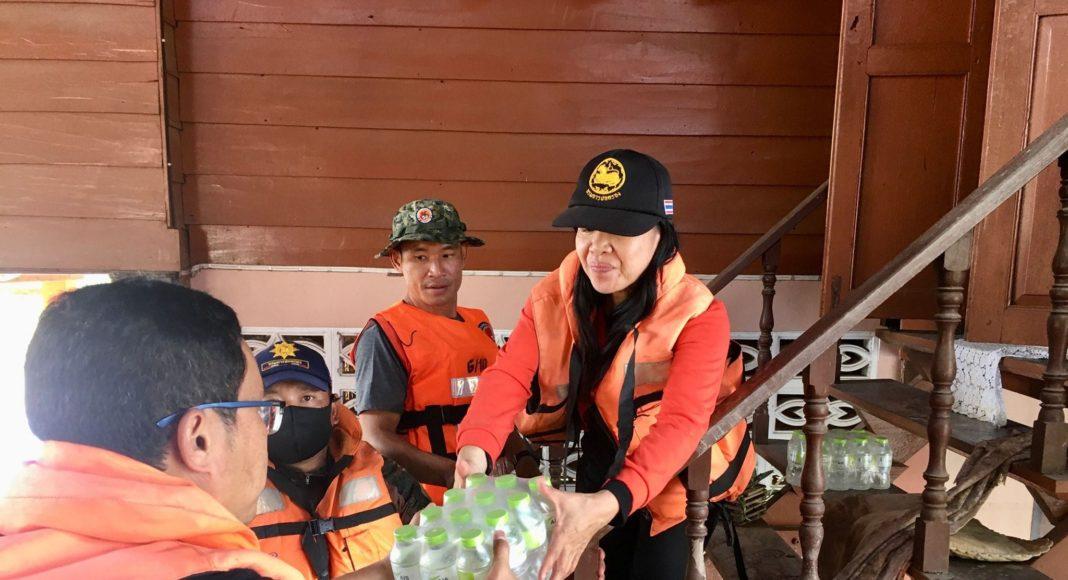 เอไอเอส ทุ่มกำลัง ส่งความช่วยเหลือผู้ประสบอุทกภัย จังหวัดน่าน แพร่ และสุโขทัย